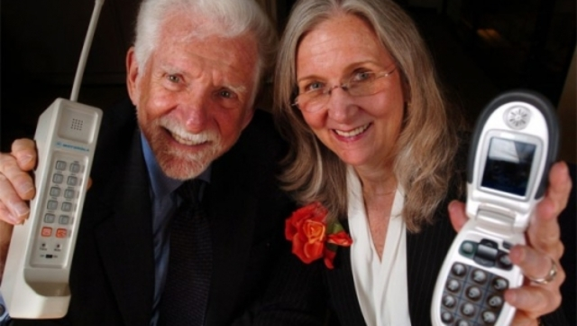 Martin Cooper founded the ArrayComm company.