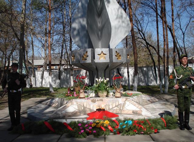 """Сооружен монумент """"Вечный огонь"""""""