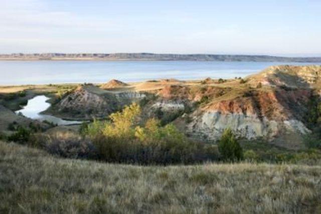 2YVI Creates an Edible Diorama of the Terrain in Nunavut