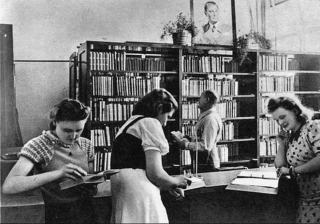 Jews not allowed to use public libraries.