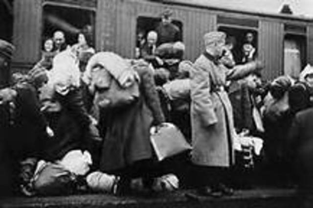 Jews not to obtain soap or shaving cream with ration cards.