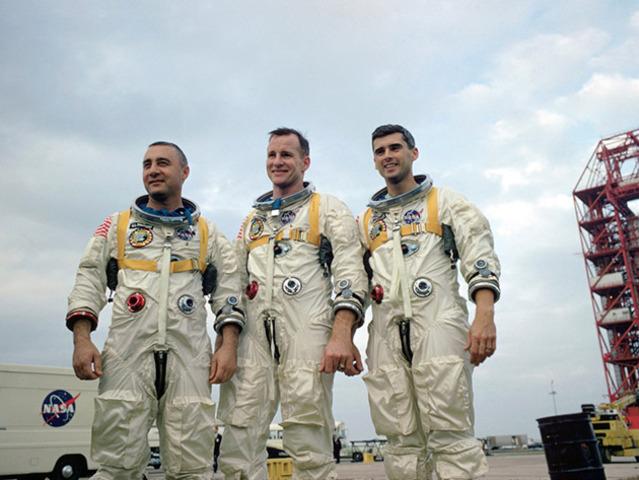 3 Astronauts Die in Capsule Fire