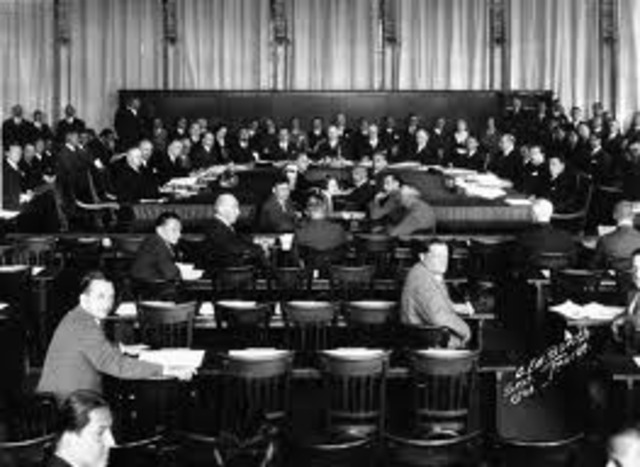 Germany withdraws from the League of Nations
