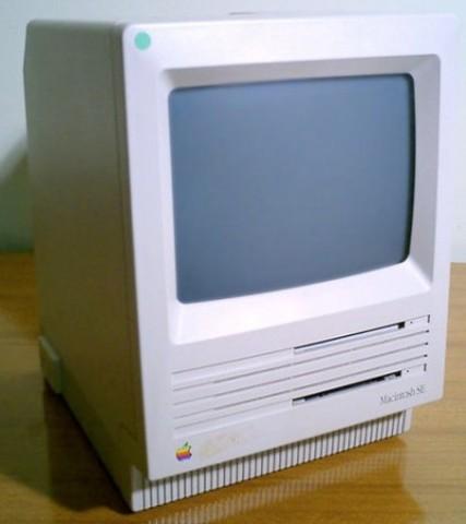 1987 – Macintosh SE.