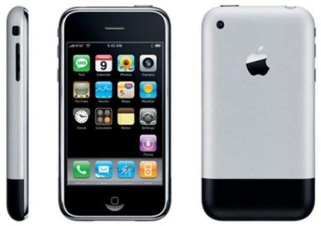 2007 – iPhone.