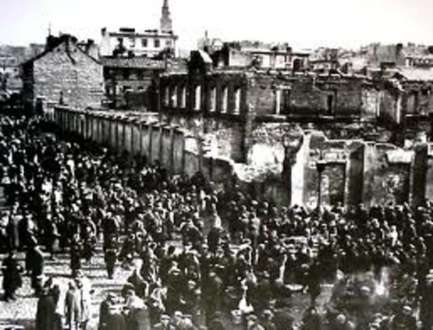The Warsaw ghetto closed