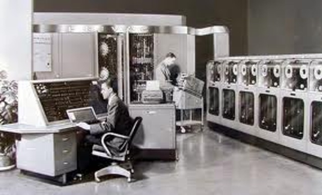 APARICION DE LA UNIVAC (UNIVERSAL COMPUTER)