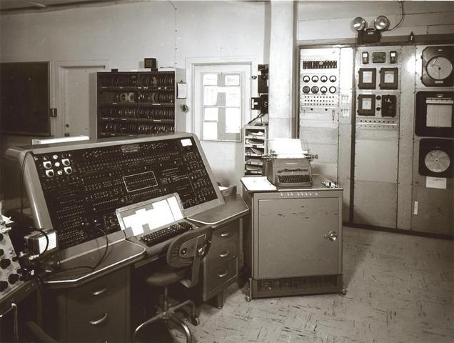 UNIVAC I. Primera computadora comercial.