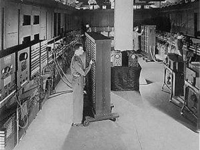 ENIAC. Primera computadora digital electrónica en la historia.