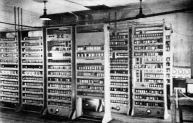 EDVAC. Segunda computadora programable.