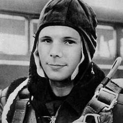 Становление Юрия Гагарина как летчика и космонавта timeline