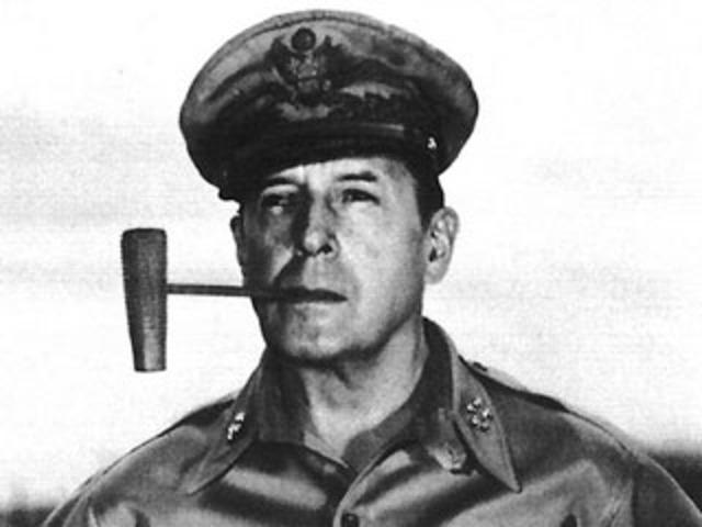 MacArthur accepts Japan's surrender
