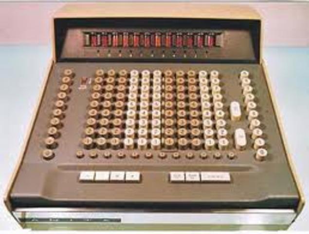 la primera calculadora electrónica portátil
