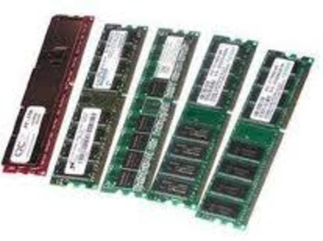 Intel crea la primera memoria dinámica RAM.