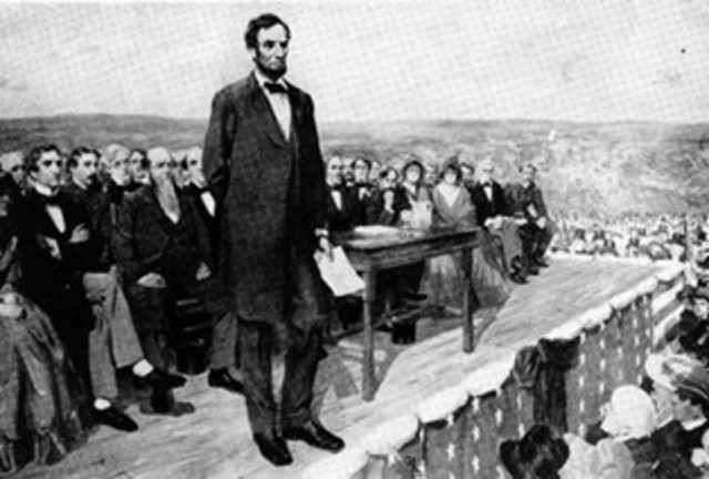 Lincoln delivers address at Gettysburg