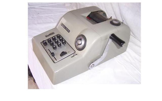 Una parte de las maquinas de calculo en italia