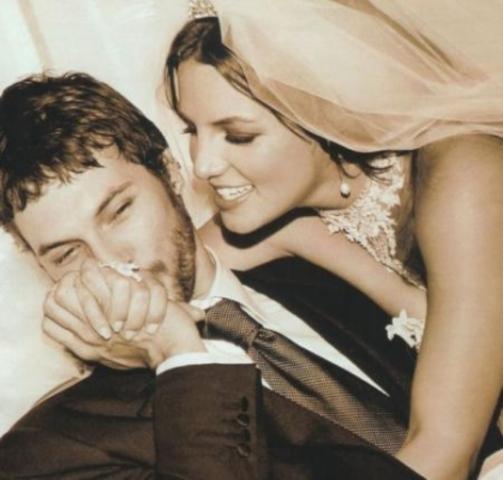 Бритни выходит замуж