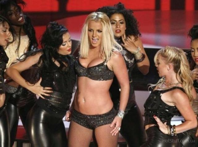 «Gimme More» на MTV Video Music Awards