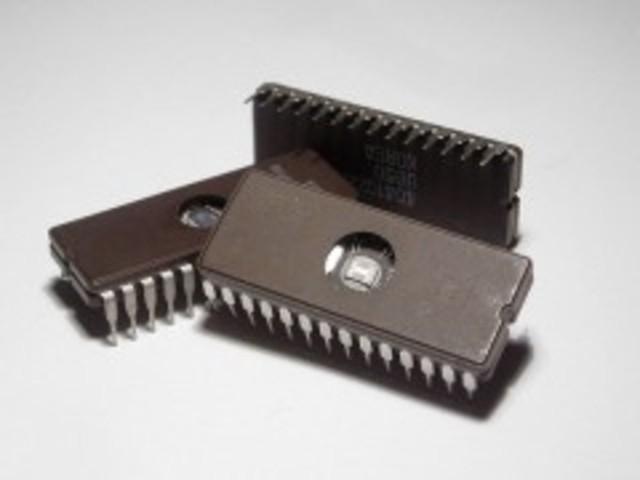 El primer circuito integrado.