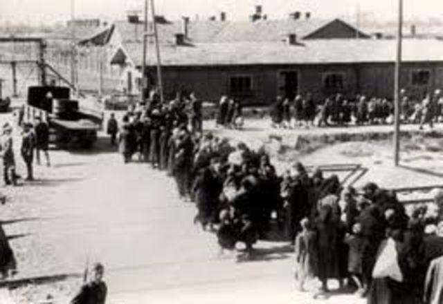 The prisoners at Auschwitz-Birkenau rebel and blow up one crematorium.