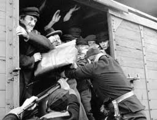 The inmates at Treblinka rebel.