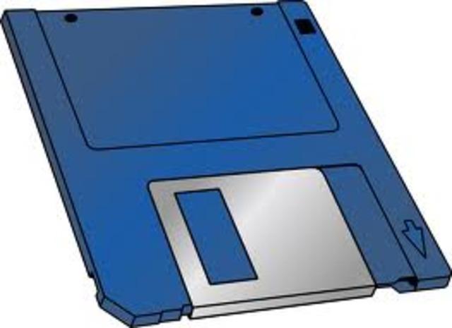 El diskette (disco flexible) en IBM.