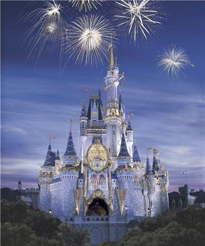 I took a trip to Walt Disney.(: