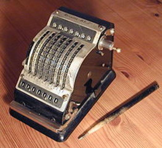 Primera máquina de sumar