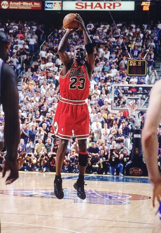 Jordan Scores Winning Basket