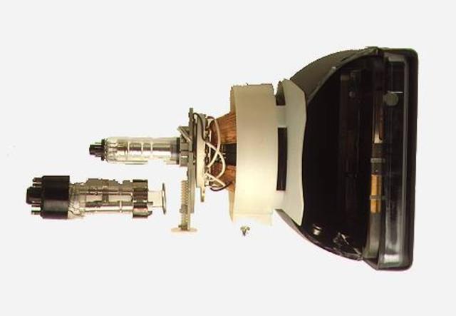 Karl Braun desarrolla el tubo de rayos de cátodos