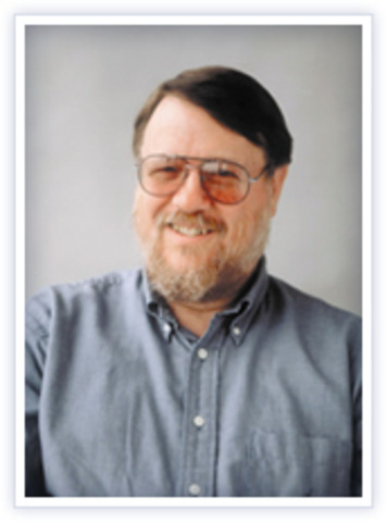 Ray Tomlinson inventa el correo electrónico