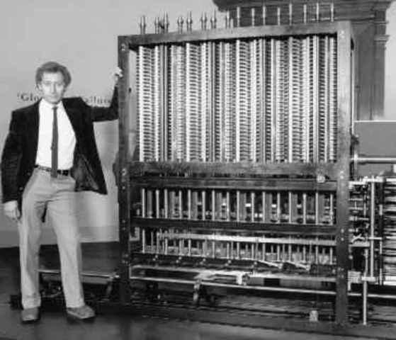 La primera computadora, fue la máquina analítica