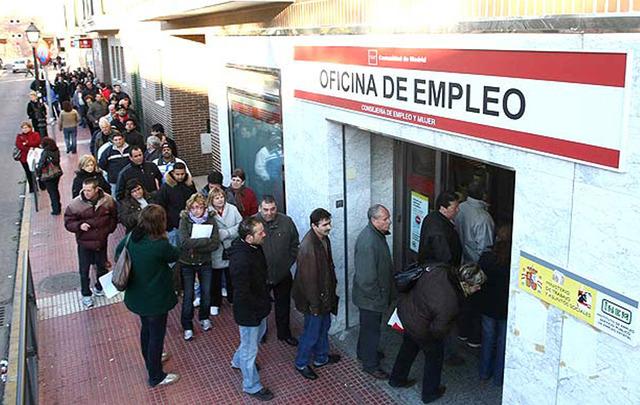 Espanya oficialment en recessió