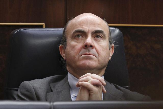 Luis de Guindos, anuncia que Espanya sol · licita ajuda a la zona euro per recapitalitzar la banca.