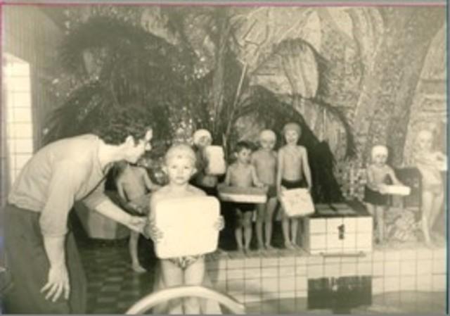 """Обучение плаванию воспитанников детского сада в бассейне """"Дельфин"""""""