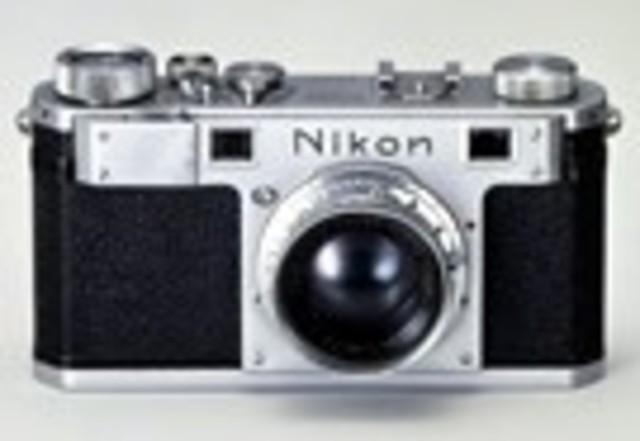 Nikon I small-sized camera is marketed