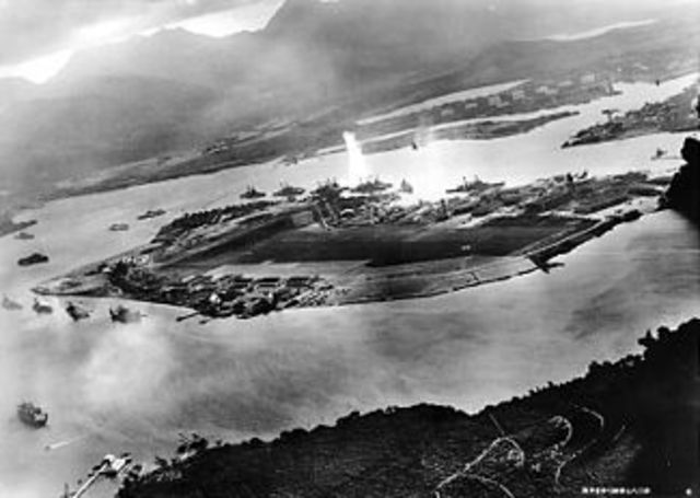 apan attacks Pearl Harbor
