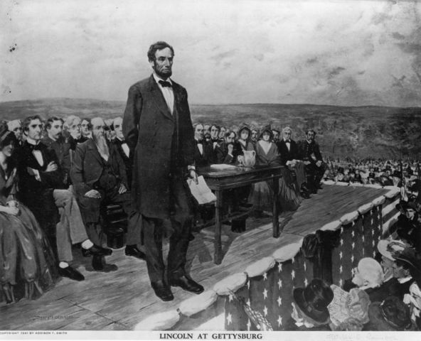 Lincoln delivers adress at Gettysburg