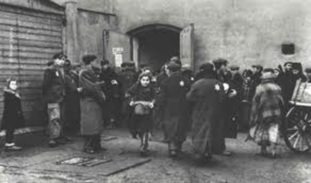 Approximately fifteen thousand Jews in the Lódz ghetto are deported to Chelmno, mostly children under ten and individuals over sixty-five, but also others who are too weak or ill to work. By September 16, approximately fifty-five thousand Jews have been d