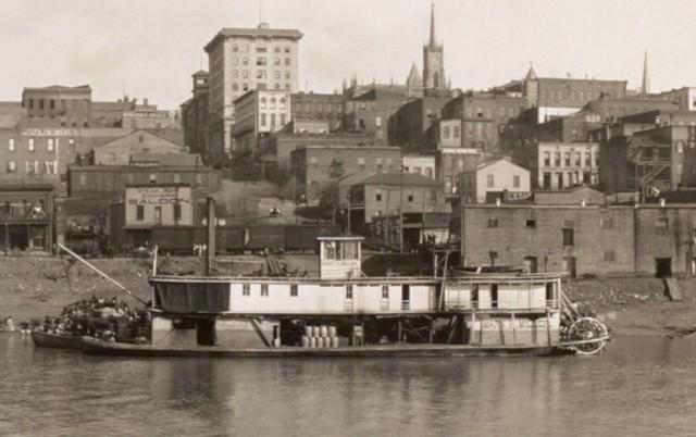 Grant takes fortress in Vicksburg Mississippi.