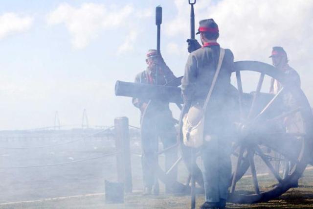 Rebels Shell Fort Sumter Battle