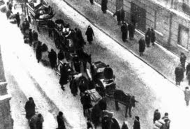 Germans was forcing jews in Poland