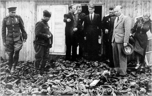 The Soviet Army liberates teh Majdanek death camp