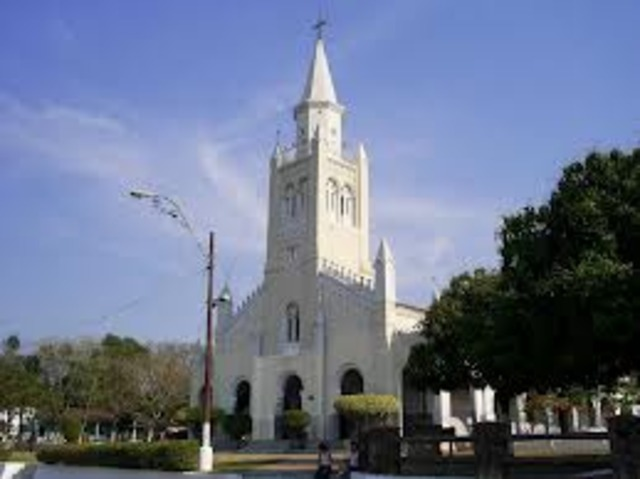 Inauguración de la Bula de erección de la diócesis