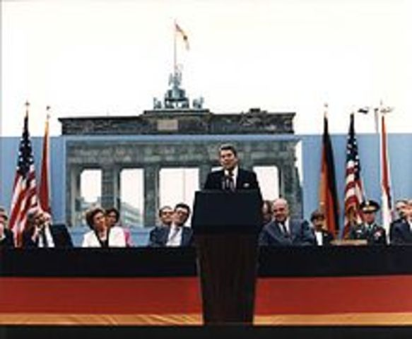 "Ronald Reagan ""Tear down this wall"""