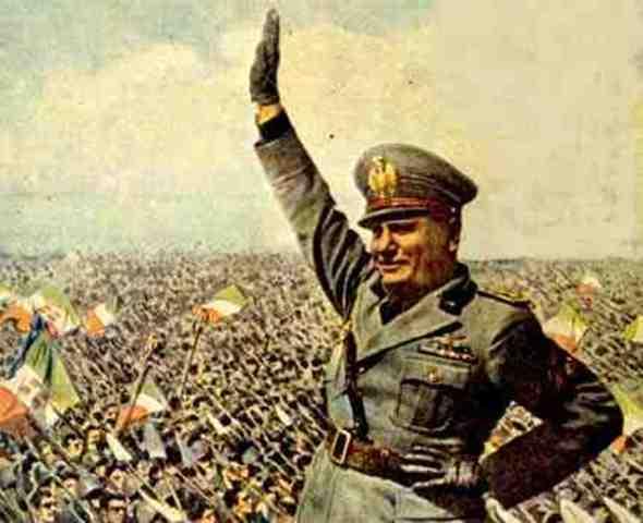 Mussolini llega al poder en Italia