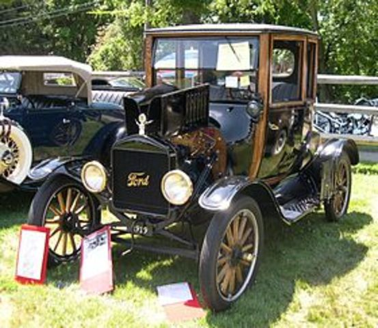Henry Ford produces the first Austo-mobile