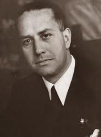 Italiens Udenrigsminister Galeazzo Ciano mødte en sur Adolf Hitler, på grund af den italienske invasion af Grækenland
