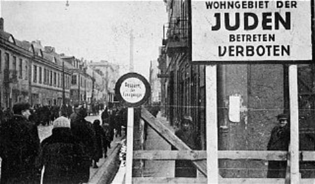 Thousands of jewsare sent to the lodz ghetto