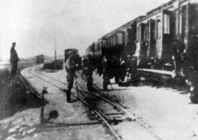 Gypsies from Lodz are sent to Chelmno